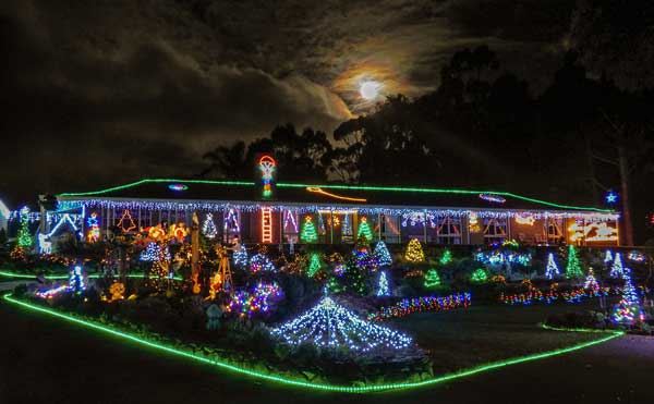 Christmas Kangaroo Lights.Christmas Lane Lights Display Lobethal Sa Australia